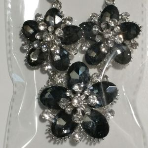 Black floral bunch sparkle jewelry necklace